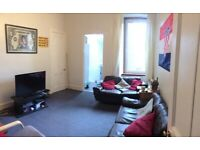 Spacious 4 bedroom flat on Clifton Road
