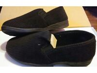 BNWB Mens Ribbed Black Slippers - Size 7