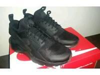 Nike huaraches ultra