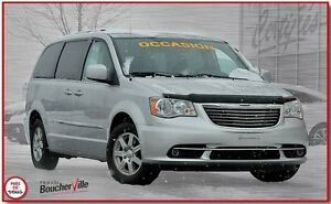 2011 Chrysler Town & Country touring stow & go, 3.6L pentastar,