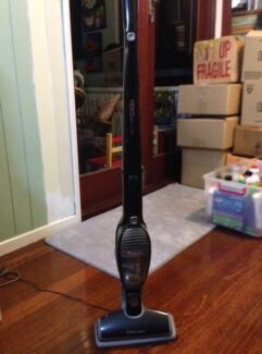 Electrolux ergorapido hand held vacuum cleaner Tarragindi Brisbane South West Preview