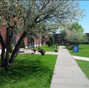 $800/month APRIL 1ST MOVE IN!! Laflin Apartments Cornwall!