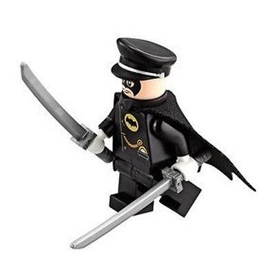 lego Super Heroes Batman Alfred Pennyworth ( 70917 ) mini figure w/ swords (Super Heroes Cape)
