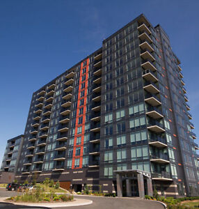 Bright 2 Bedroom Condo at St Lawrence Place