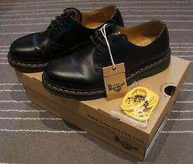 FOR SALE! Dr Martens 1461 size UK7 / US8