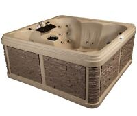 BRAND NEW HOT TUB FOR SALE! **Price Reduced** Draining for Winte