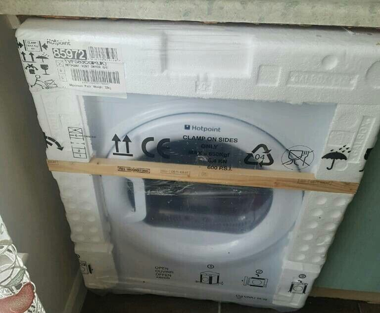 New sealed 8kg Hotpoint VENTED Tumble dryer