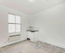 Studio flat to rent on Pembridge Villas, Notting Hill, close to Notting Hill Gate station
