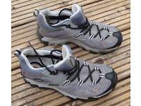 Columbia cross terrain women's walking shoes size 4