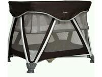Immaculate Nuna Sena travel cot - black