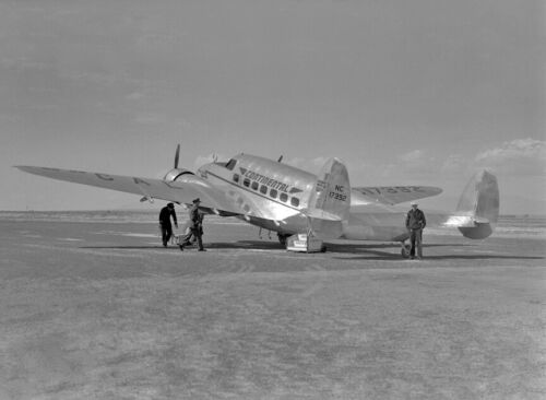 "Continental Airlines Lockheed Lodestar ((8.5""x11"")) Print"