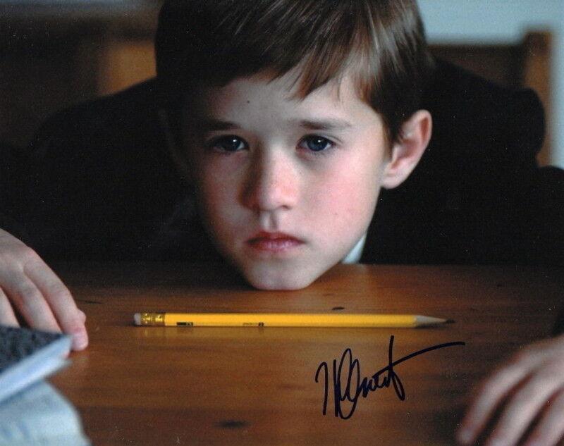 HALEY JOEL OSMENT.. The Sixth Sense's Cole Sear- SIGNED