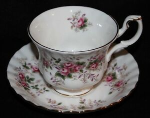 TEA CUP & SAUCER - Lavender Rose - Royal Albert