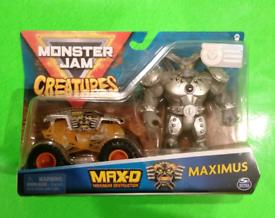 Monster Jam - MaxD Monster Truck & Maximus Figure