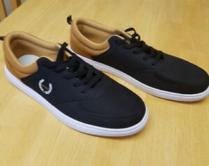 NEW Men's skateboarding shoes