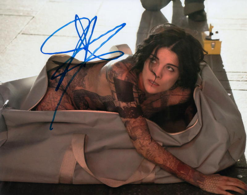 JAIMIE ALEXANDER.. Blindspot's Jane Doe - SIGNED