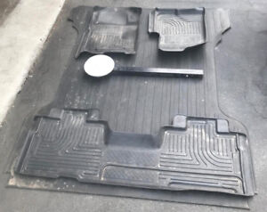 F-150 RUBBER MATS, CHAINS, AND HITCH STEP STOOL