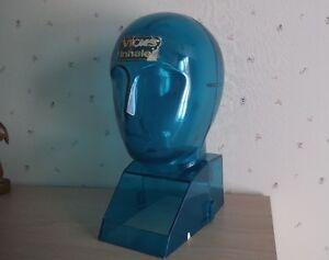 Ancien Présentoir en forme de tête bleue: Vicks Inhaler