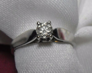 "14k white gold .25ct ""Solitaire"" Diamond Engagement Ring- Size 6"