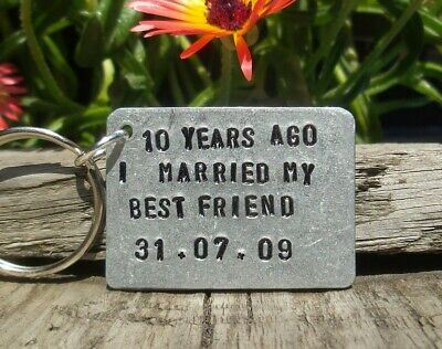 10th Wedding Anniversary Gifts For Men Her Aluminium Tin Personalised Keyring ()