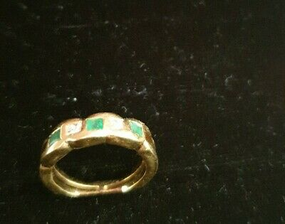 Beautiful 18K WHITE GOLD NATURAL 5 stones,DIAMOND & emerald RING SIZE O, (C1/R9)