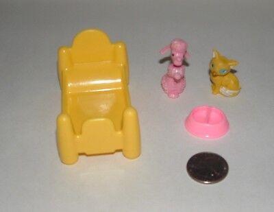 Vintage Miniature Dollhouse Plastic   4 Piece Pet Set  *DOG  *CAT  *BED  *BOWL