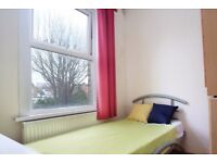 Spacious rooms to rent in 6-bedroom houseshare with garden in Tottenham