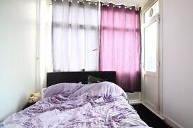 Rooms to rent in 5-bedroom flat in Islington
