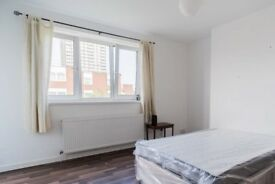 Cozy room to rent in 5-bedroom apartment in Tower Hamlets