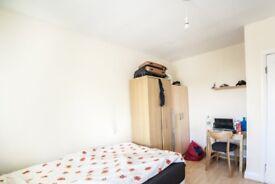 Rooms to rent in tidy 3-bedroom apartment in Camden