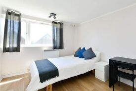 Bright room for rent in 5-bedroom apartment in Walthamstow