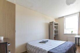 Spacious room in 6-bedroom flatshare, Surrey Quays