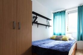 Twin Beds in Rooms to rent in couple-friendly, 4-bedroom flatshare in Chalk Farm