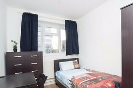 6 Bedrooms Available in Renovated Apartment With Dryer in Wandsworth Area