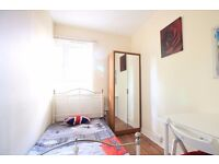 Single Bed in Rooms to rent in bright 5-bedroom flatshare in Hammersmith and Fulham