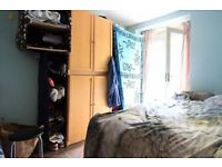 Double Bed in Couple-friendly rooms to rent in a 4-bedroom flat in Lambeth