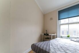 Bright room in 4-bedroom apartment, Camden
