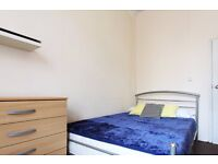Double Bed in Rooms to rent in 8-bedroom houseshare in Kilburn