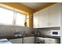 Double Bed in Rooms to rent in 5-bedroom flatshare in Camberwell