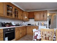 Rooms to rent in 5-bedroom house with garden in Langdon Park area