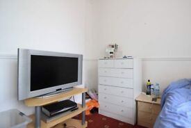 Big room with heating in shared flat, Bethnal Green