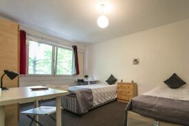 Spacious room with twins bed for rent in 7-bedroom apartment in Lewisham