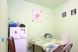Rooms to rent in furnished 5-bedroom house in Newham