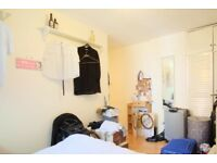 Spacious room for rent in in 4-bedroom flat in Kensington