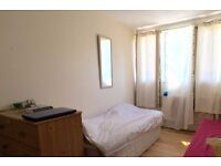 Single Bed in Beds to rent in cosy shared rooms in bright 5-bedroom flat in Roehampton