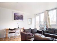 Rooms to rent in 4-bedroom flatshare with patio in Putney