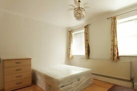 Double Bed in Rooms to rent in a newly renovated 4-bedroom flat in Earlsfield
