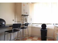 Single Bed in Spacious room to rent in a shared flat with a balcony in Lambeth, London