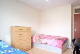 Ample room with standalone wardrobe in shared flat, Cricklewood