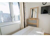 Single Bed in Rooms to rent in a renovated 4-bedroom houseshare with balcony in Southfields